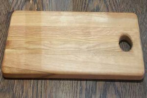 Free DIY cutting board pattern, printable, design, template, DIY wooden, wood, kitchen, chopping board for cheese, bread, meat, vegetables.