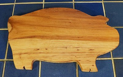 Free Pig cutting board pattern, printable, design, template, DIY wooden, wood, kitchen, chopping board for cheese, bread, meat, vegetables.