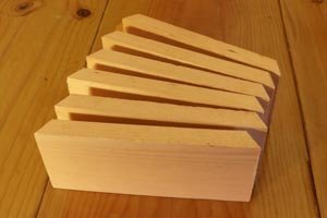 Six pieces for display shelves with 30-degree cuts.