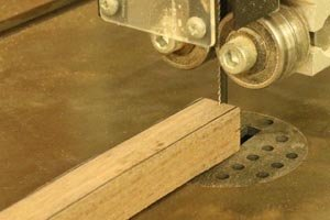 Make wooden spoon lathe drive center.